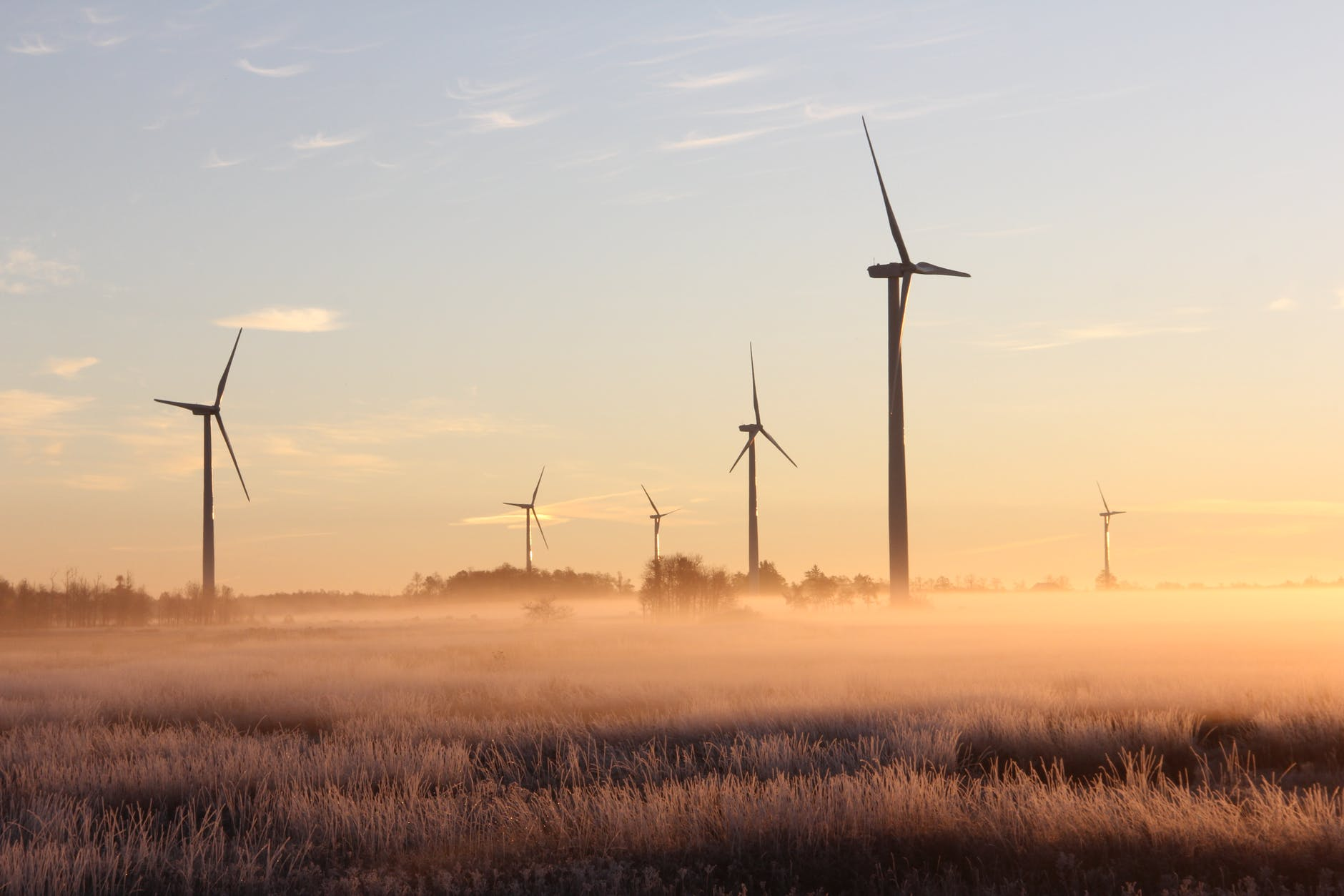 photo de moulins a vent a l aube